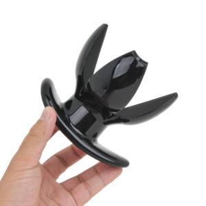 一番細いネック部分ですら、もはや一般的なVibratorsくらいの太さがあります。身も心も開放的に。