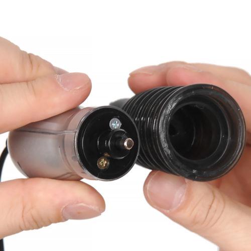 本品は回転運動を行うためのベースユニットと、振動を行う振動ユニットの2つで構成されています。 本体を強く引っ張ると回転部と振動部のユニットが分かれます。 ※ユニットをつなぐ時は半月の軸に合わせるように確認しながら押し込んでください。