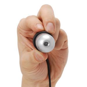 コネクタ部分を持てば手の振動をいくらか和らげることができます。