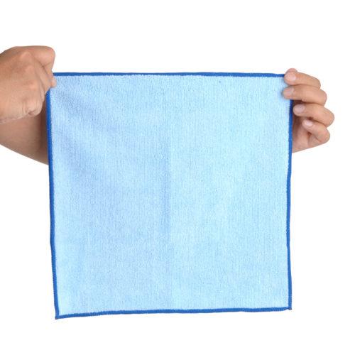 一般的なハンカチサイズだから汎用性も◎。大型オナホも拭きやすく、下に敷くにも便利。
