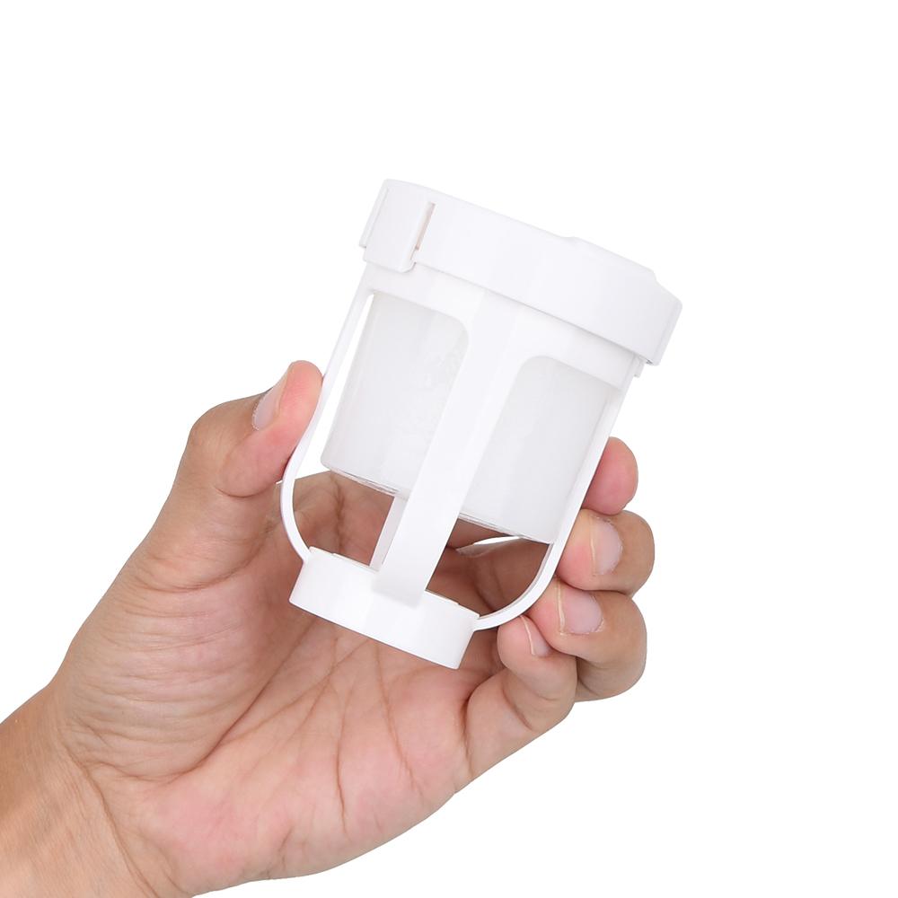 同梱されるカップ型アクセサリ。弊社が技術コンサルティングをしているため、どうしてもアレに似ています。