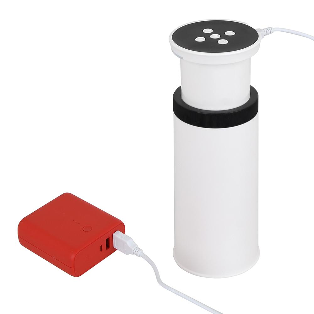 一般的なモバイルバッテリー(2A電源推奨)からも給電OK。どこでも気軽に使える利便性が光ります。