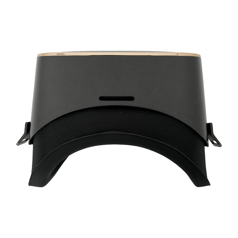 マットブラックの落ち着いたデザインです。フロントのゴールドリングが高級感を醸し出しています。