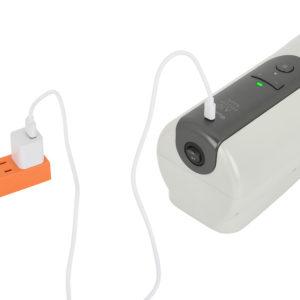 バッテリー性能はフル充電までは約2時間、連続可動は約120分です。付属のmicroUSBケーブル以外も使えます。