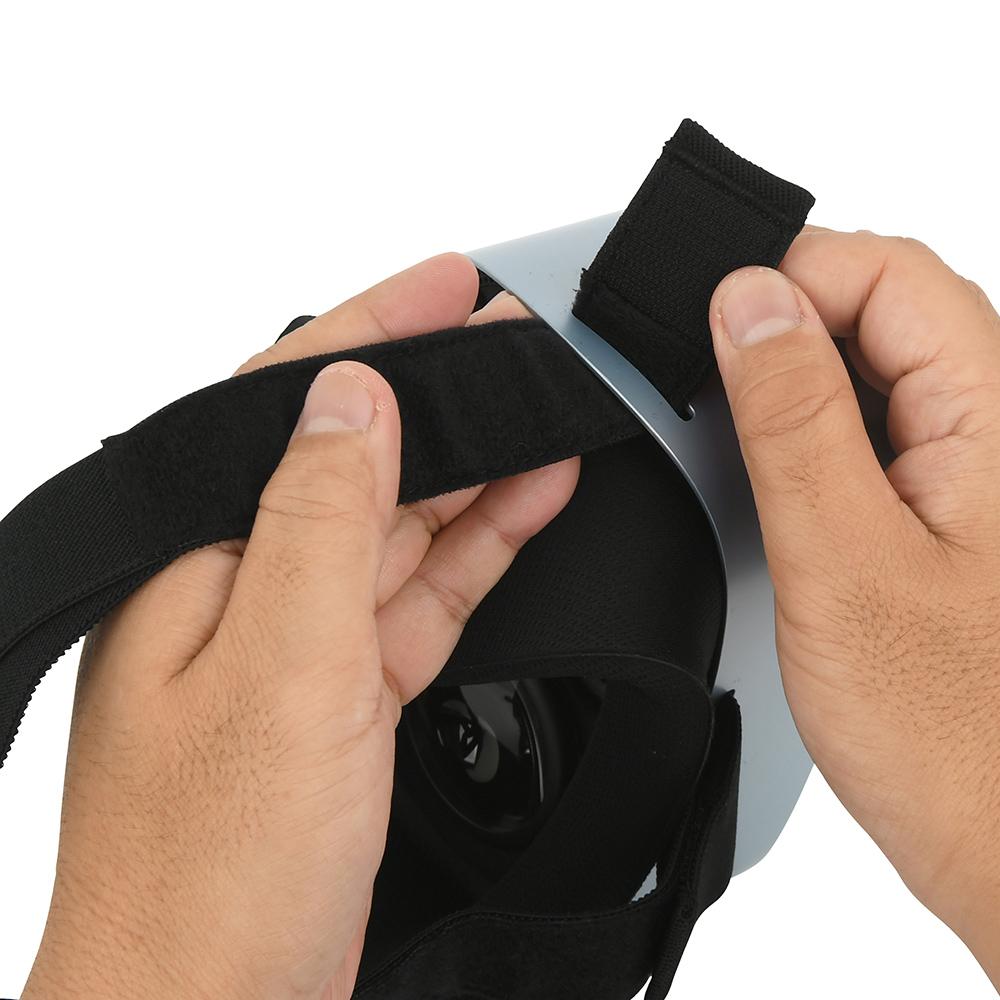 使用時は、本体スリットの内側から外側に向けてベルトを通し、長さを調整してからベルクロで留めましょう。