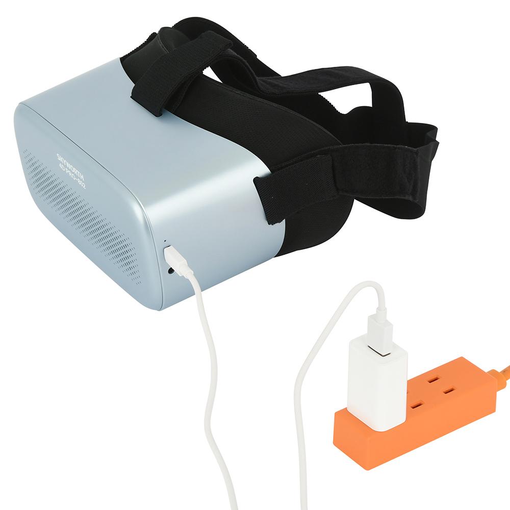 microUSB(Type-B)なら付属品じゃなくても充電可能。フル充電までは約2.5時間、連続再生は約150分です。